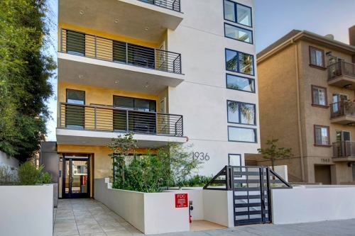 West los angeles unfurnished 3 bedroom apartment for rent for One month rental los angeles