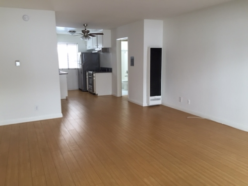 apartment for rent in west hollywood 739 n sweetzer ave 2 los angeles ca 1 495 studio. Black Bedroom Furniture Sets. Home Design Ideas