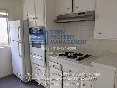 image 2 unfurnished 3 bedroom Apartment for rent in West Hollywood, Metro Los Angeles