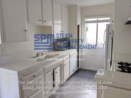 image 3 unfurnished 3 bedroom Apartment for rent in West Hollywood, Metro Los Angeles