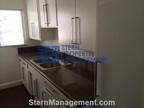 image 2 unfurnished 1 bedroom Apartment for rent in West Hollywood, Metro Los Angeles
