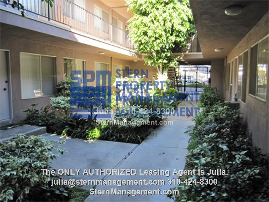 Apartment For Rent In Palms 10776 Rose Avenue 20 Los