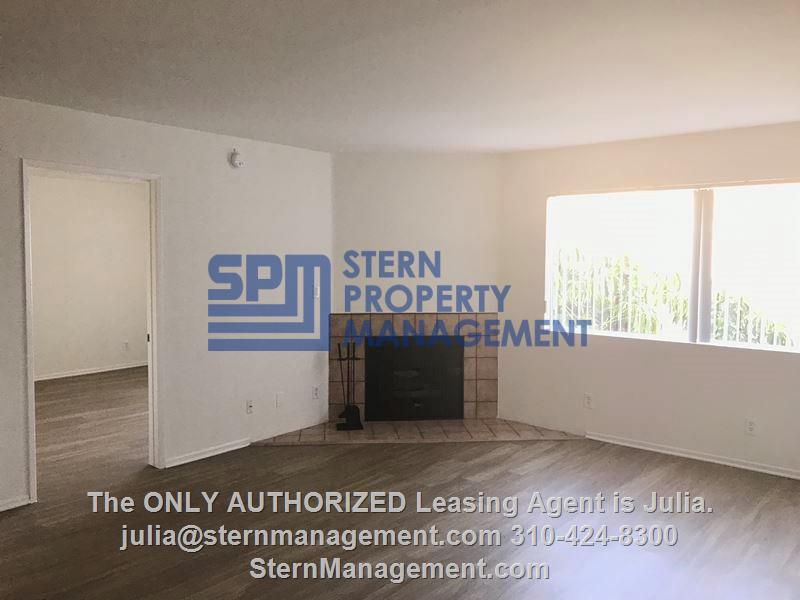 Apartment for Rent in San Fernando Valley - 4303 Cedros Ave