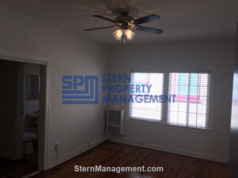 Apartment for Rent in Los Angeles - 133 N. Reno St. #203 ...